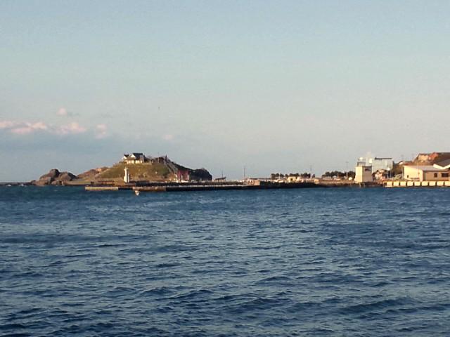 八戸港から蕪島