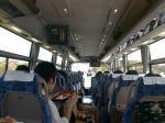 大会当日のバス内