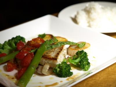 魚貝のポワレに野菜を添えて@ラ・ウル