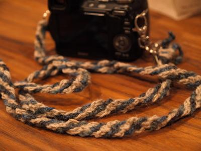 オリオリさんのカメラ&手作りの麻紐ストラップ