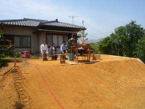 傾斜地の起工式
