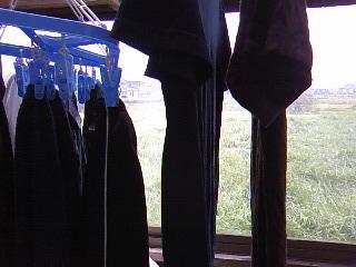 洗濯物に遮られ