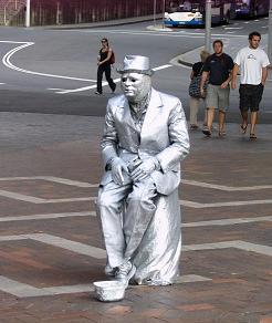 国外才能#35265;到的景#35266; 人体雕塑之二