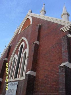 #36824;是教堂