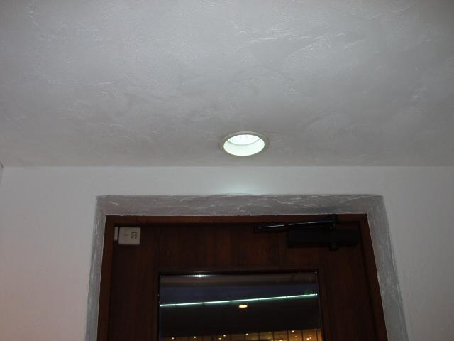 玄関LED
