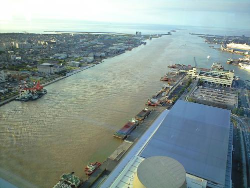 信濃川河口も水位が高い