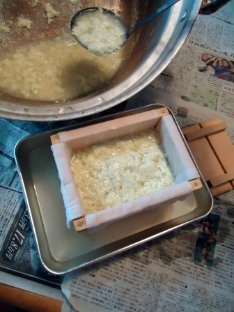 木綿豆腐 木箱移し