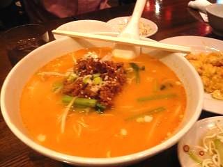 中華料理屋(坦々麺)