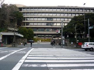 慶応大学正門(その1)