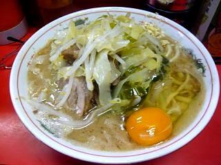 ラーメン二郎三田本店(小豚卵投入)