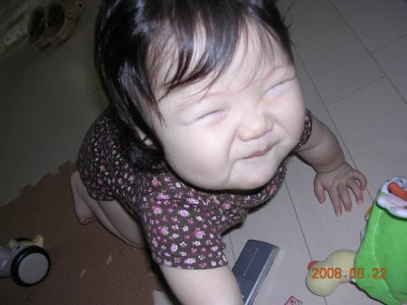 近ごろ こんな顔で笑うことが多。