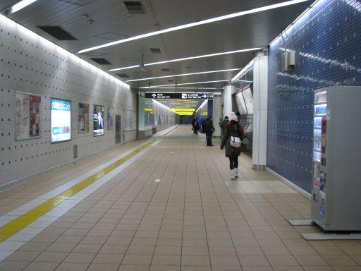 首都圏新都市鉄道つくばエクスプレス 六町駅 改札外通路