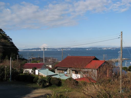 JR内房線 竹岡駅 ホームから臨む海