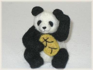羊毛フェルト☆招きパンダ