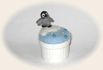 羊毛フェルト☆ペンギンのピンクッション