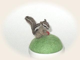 羊毛フェルト☆シマリスのピンクッション