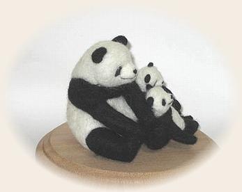 羊毛フェルト☆双子ちゃんとお母さん ( パンダ )