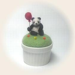 パンダのピンクッション
