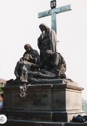 カレル彫像6