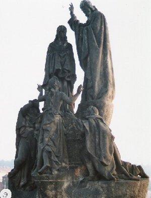 カレル彫像9
