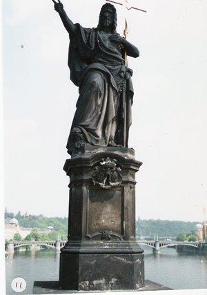 カレル彫像11