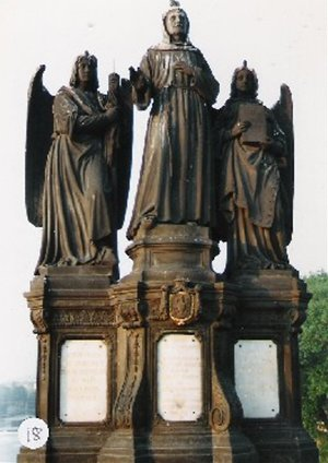 カレル彫像18