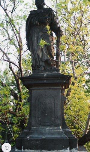 カレル彫像19