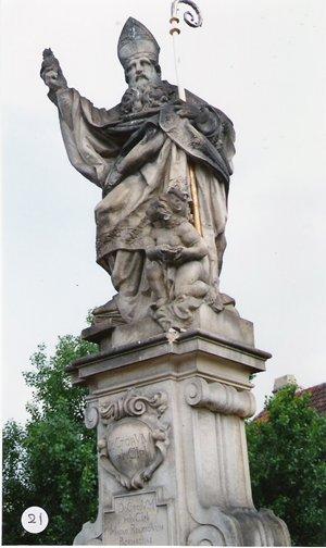 カレル彫像21