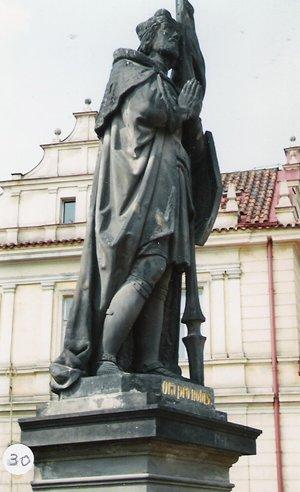 カレル彫像30