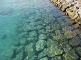 沖縄のエメラルドグリーンの海。