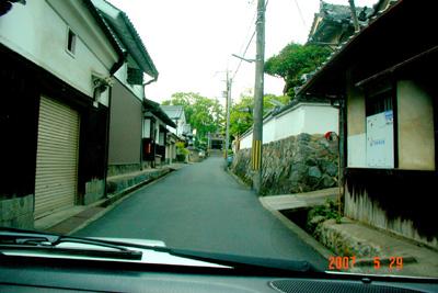 070529_04_omairi_01.jpg