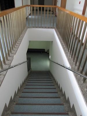 階段を下りると。。。