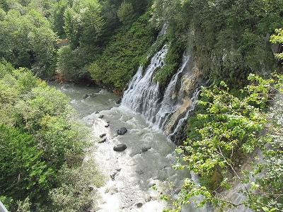 s-台風後の白ひげの滝