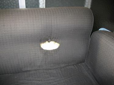 ソファの穴