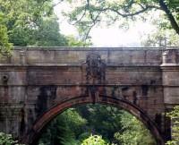 いわくつきの橋