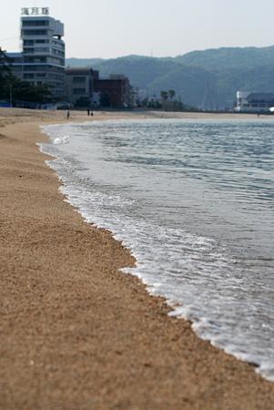 皆が去った後の浜辺