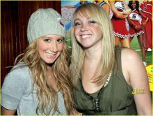 10041218179_s Ashley Tisdale...old sister