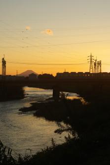 夕焼け富士山と東上線