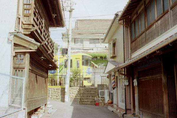 京阪橋本駅前
