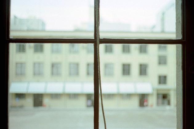 窓/十字架