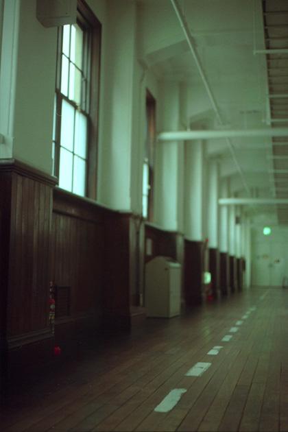 廊下の匂い/京都芸術センター