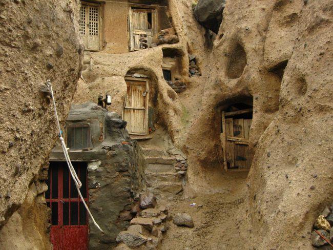 strange_village_in_afghanistan_04.jpg