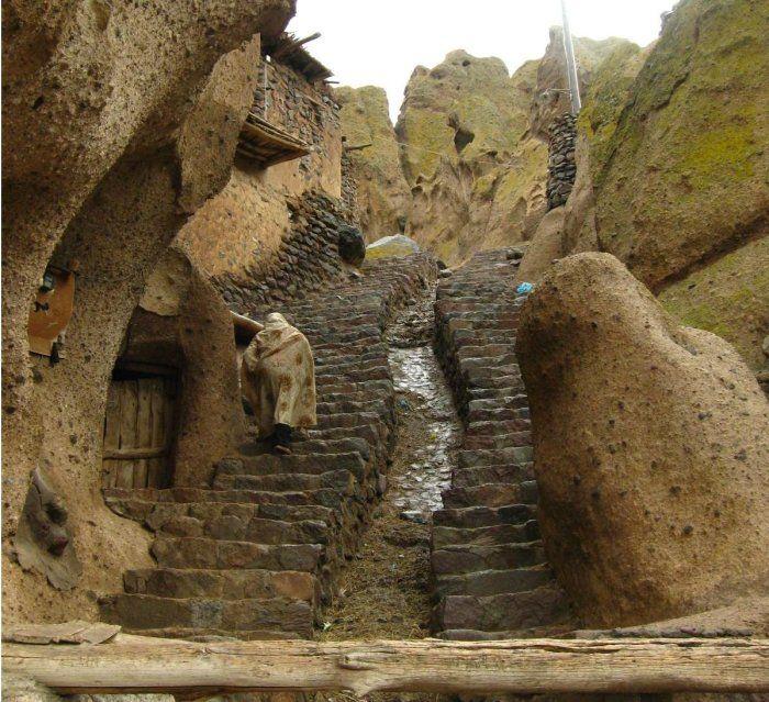 strange_village_in_afghanistan_10.jpg