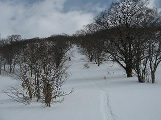 母成峠からの登り