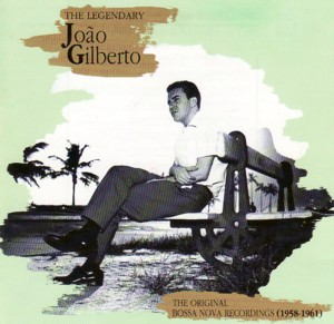 """ジョアン・ジルベルト / 壁がタイルだから音が良く聴こえるという理由で、一日に12時間も """"風呂場"""" にこもってギターを聴いてる奇人変人さんです♪"""
