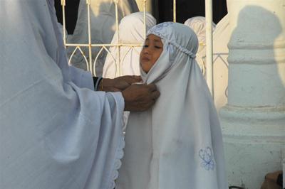 モスクの小さな女子