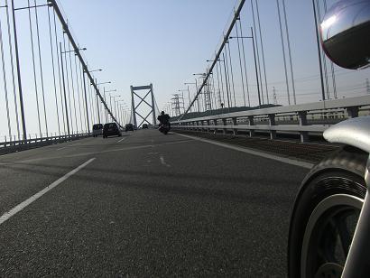 16:41関門橋