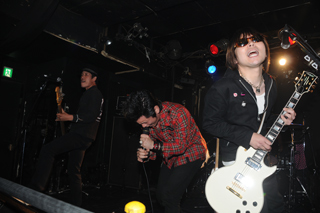 2009.6.1-新宿URGA-030