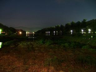賀茂川の夜景(北大路橋から北山橋方面を臨む)