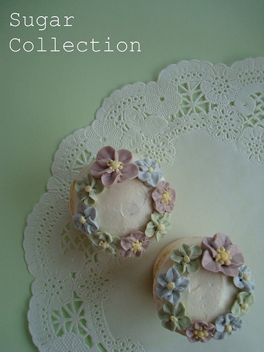 Flower cup cakes4